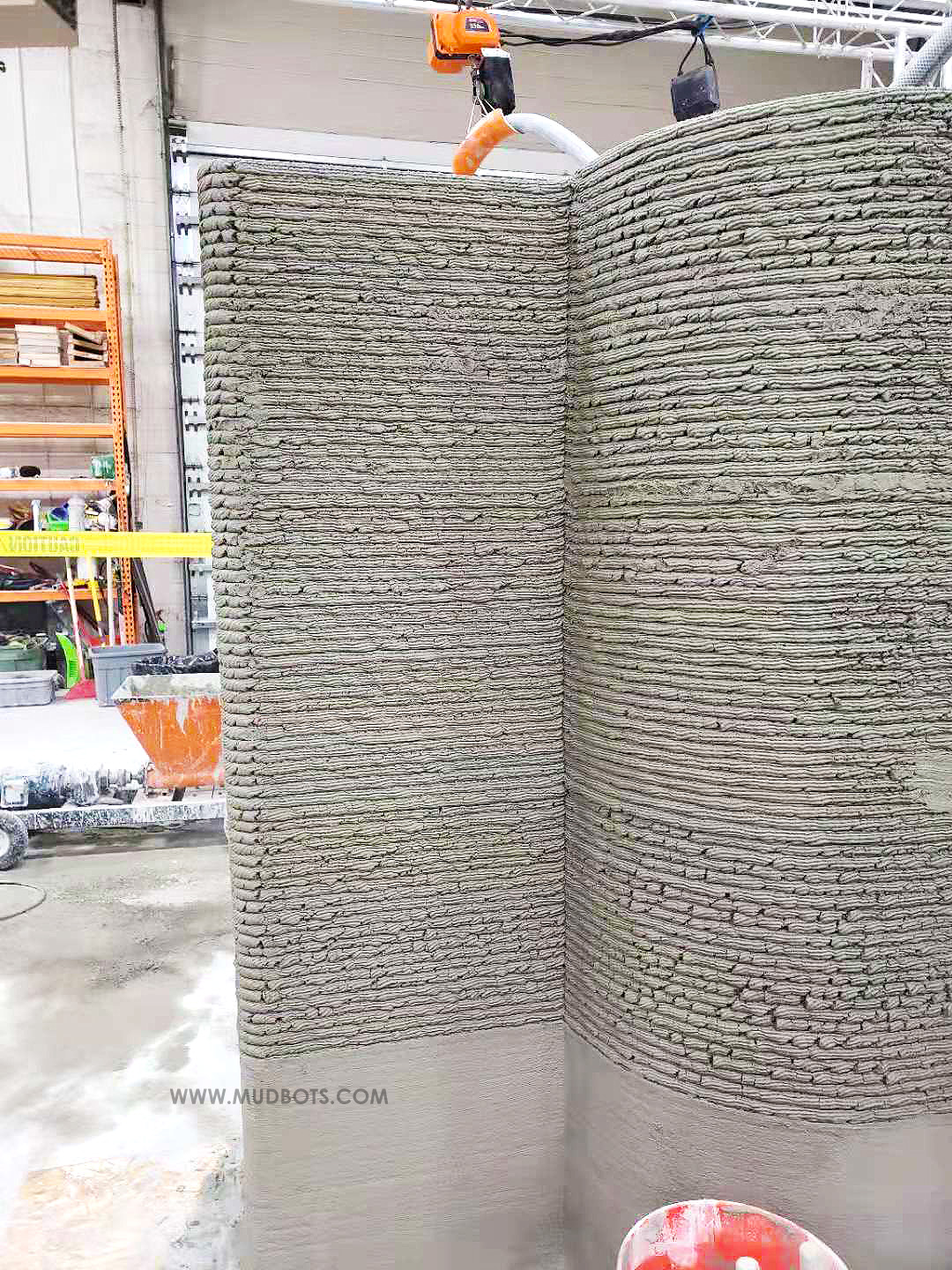 Build concrete walls of different sizes and shapes using 3DCP technology