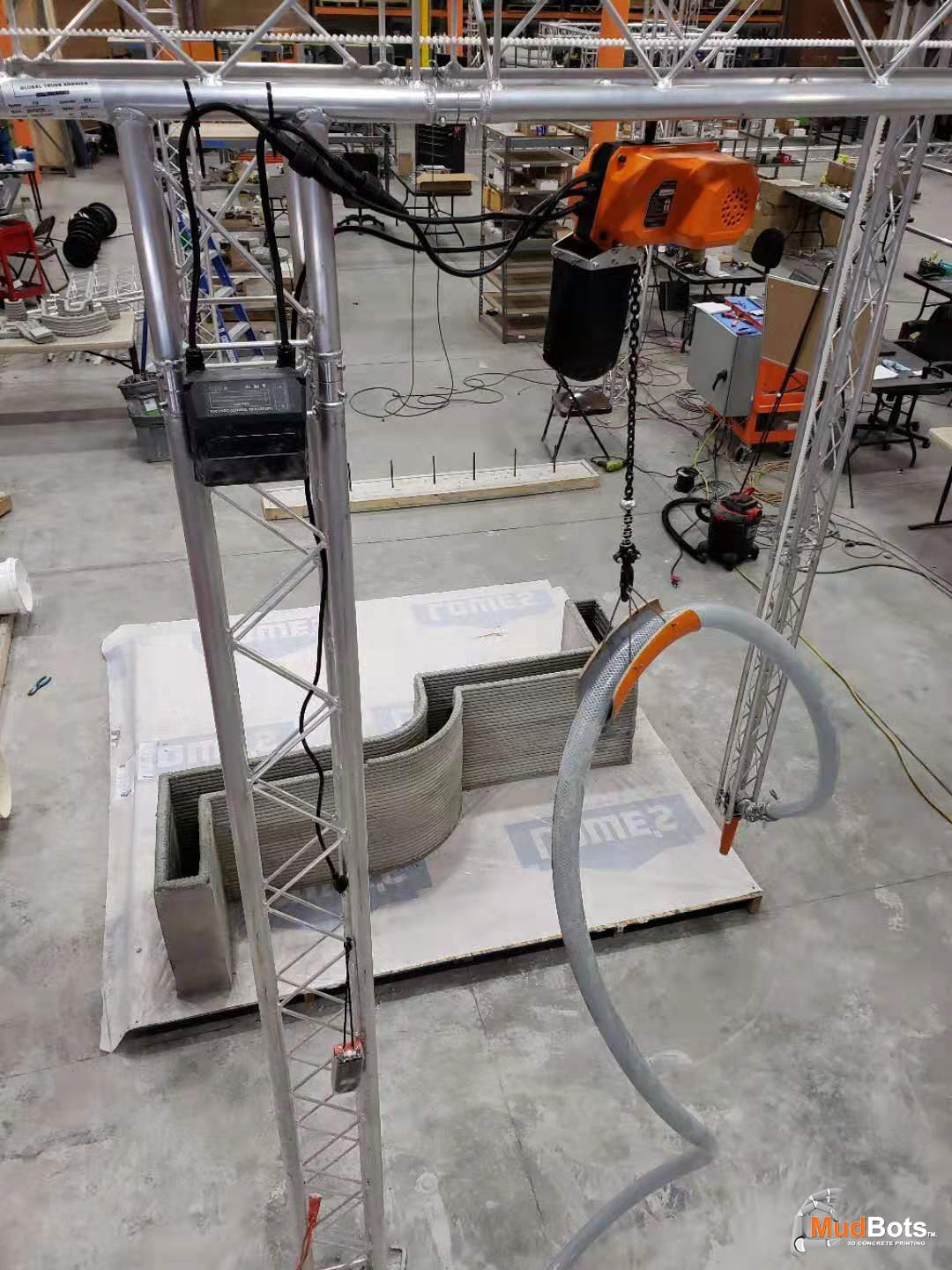 Top view of our large scale 3D Concrete Printer for printing houses and other big concrete structures