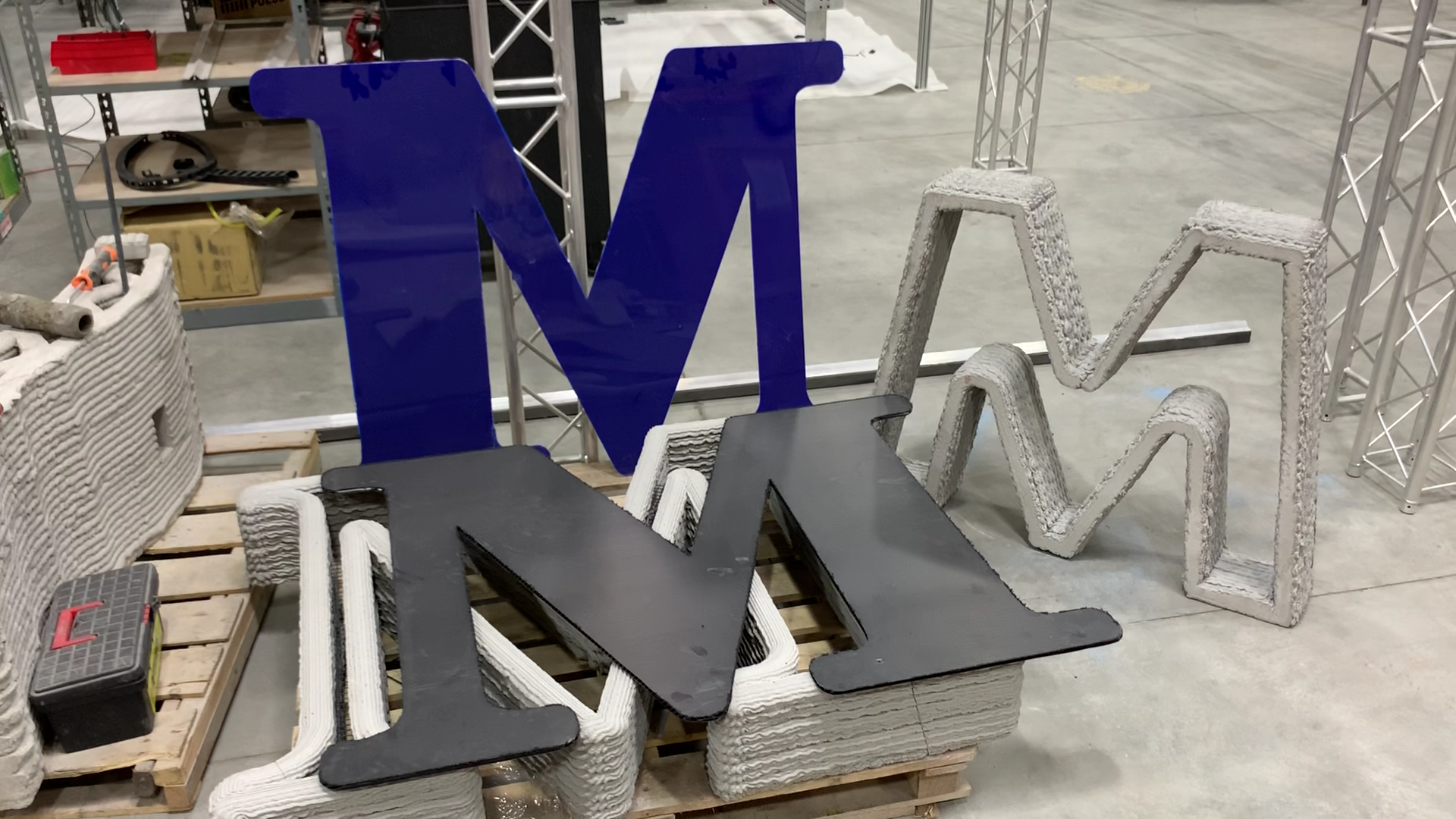 3D printing monument letters signage for companies with Mudbots concrete printer